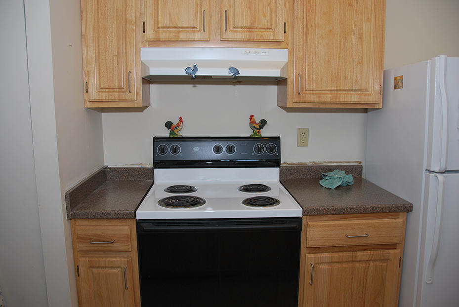 Market Mill Kitchen Cabinets and Countertop
