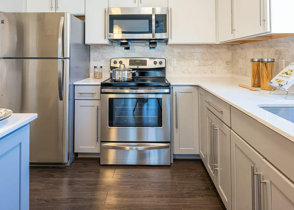 Island Creek Kitchen Cabinets and Countertops